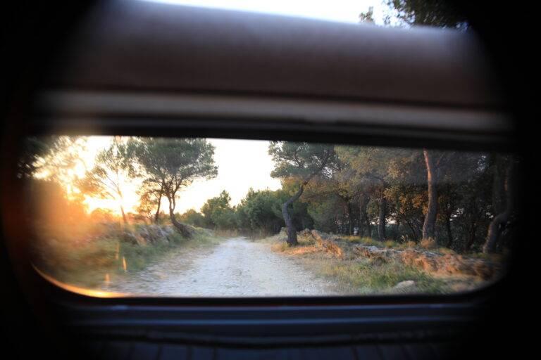 coucher-soleil-vitre-arriere-2cv