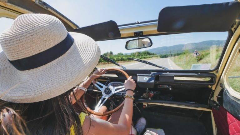 location 2cv sans chauffeur en Provence